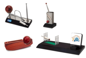 Cricket Table Top with Visiting Card Holder, Pens and Memos