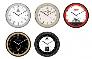 Different Design Wall Clock in Round Shape